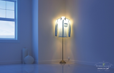 lampy w męskich koszulach