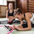 21 – +H10011_TR_Womens_FW13_Yoga_Training_Dance_KEY_01