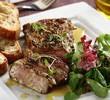 salatka-z-grillowanym-stekiem-oraz-crostini-1