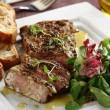 salatka-z-grillowanym-stekiem-oraz-crostini-2