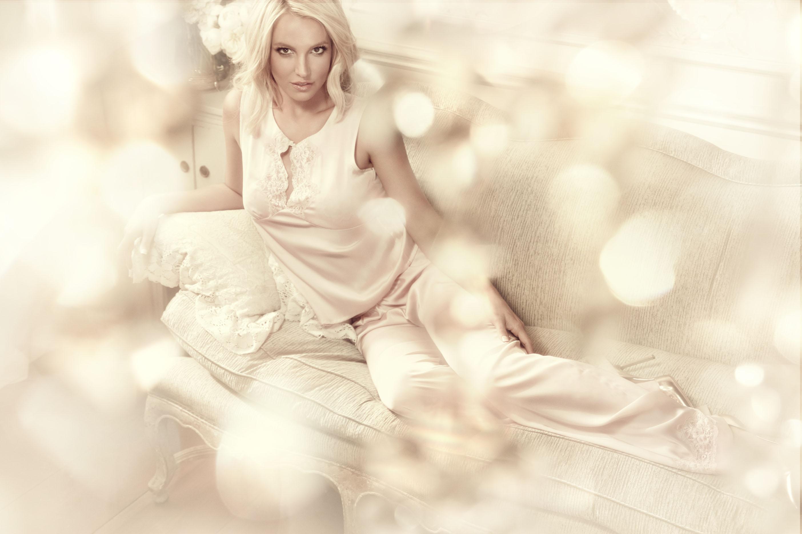 Britney Spears_Gatta (5)