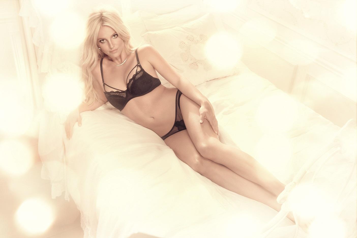 Britney Spears_Gatta (7)