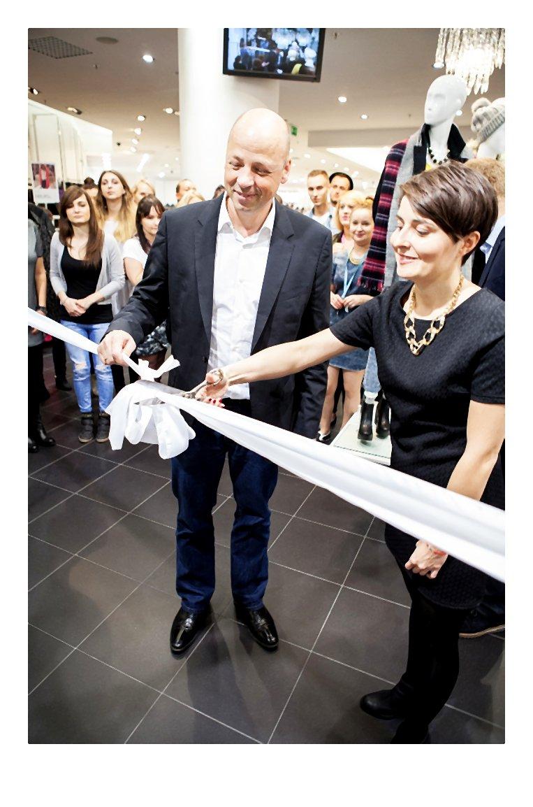 kaukaz-Re-otwarcie salonu marki NEW LOOK w Z_otych Tarasach (3)-003-2014-10-15 _ 15_14_00-80