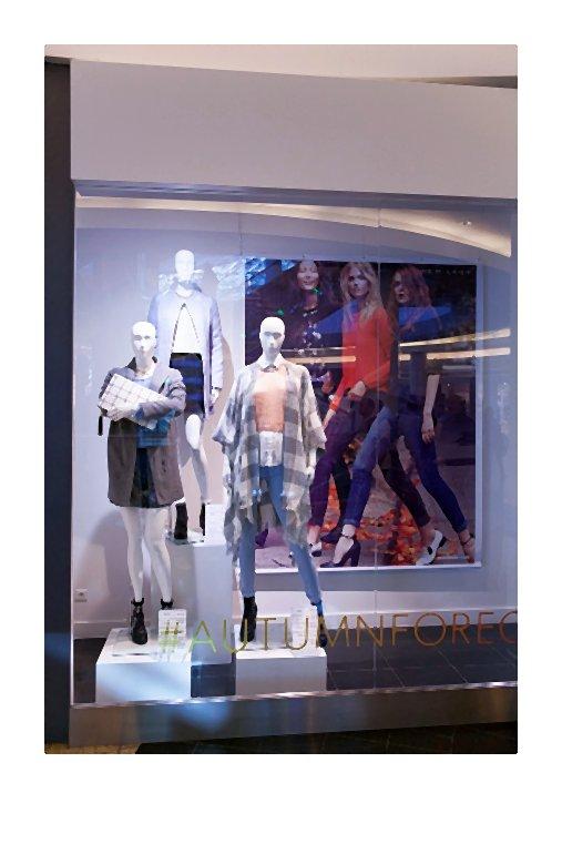 kaukaz-Re-otwarcie salonu marki NEW LOOK w Z_otych Tarasach (7)-007-2014-10-15 _ 15_14_00-80