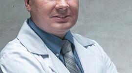 Chirurgia plastyczna, czyli szycie na miarę Uroda, LIFESTYLE - Ciało kobiety nieustannie się zmienia: okres dojrzewania, macierzyństwo, wreszcie coraz bardziej widoczne oznaki starzenia się. O tym, w jaki sposób można przywrócić atrakcyjny wygląd newralgicznych części ciała, rozmawiamy z dr. Maciejem Kulickim, chirurgiem plastykiem.