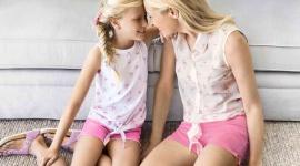 Pastelowy zawrót głowy Moda, LIFESTYLE - Według podziału typów urody względem pór roku większość Polek to lato – mamy jasną karnację, często o chłodnej tonacji, szare, zielone lub niebieskie oczy i naturalne włosy w kolorze tzw. mysiego blondu lub brązu.